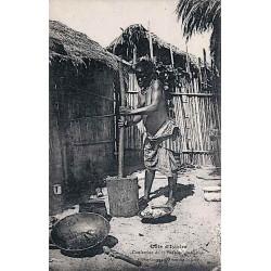 Côte d'Ivoire - Confection du poutou indigène