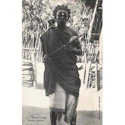 MADAGASCAR - Musicien sakalave