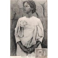 Madagascar - Femme Antaisaka -
