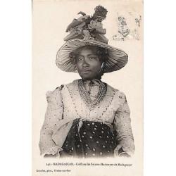 MADAGASCAR - Coiffure des...