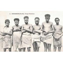 MADAGASCAR (Côte Est) Groupe d'Antaimoro