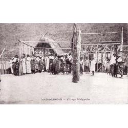 MADAGASCAR - Village malgache