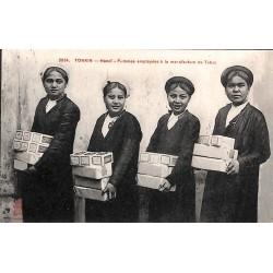 TONKIN - Femmes employées à...