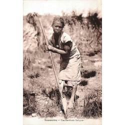Tananarive - Une mendiante indigène